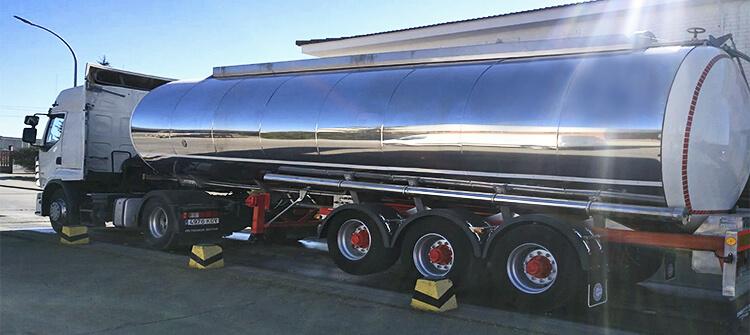 camion cisterna subcarn transporte de grasas